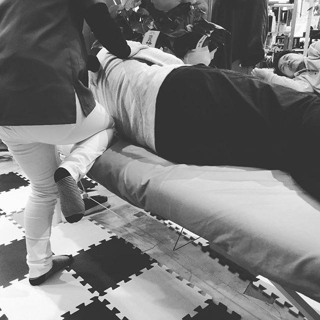 膝の違和感と股関節の硬さ改善(^ ^)マッスルリリースを味わい脚がスッキリした!と笑顔で帰られました。 #健康整体の家つみき #健康整体 #操体法 #マッスルリリース #健康 #福島市 #fukusima #ボテフォレパン #膝痛 #股関節が硬い #女性スタッフ #脚がスッキリ #笑顔