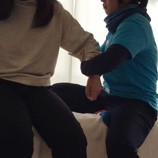 右腕がしびれて首がまわらなかったYさん。足から整えて、さいごに気持ちよく動くとしびれや引っかかりがなくなりました!#健康整体の家つみき #健康整体 #操体法 #福島市 #福島市整体 #飯坂 #飯坂整体 #bodywork #bodypreparation #health #fukushima #japan #肩こり #首こり #腕のしびれ #腰痛 #膝痛 #お腹の不調 #冷え
