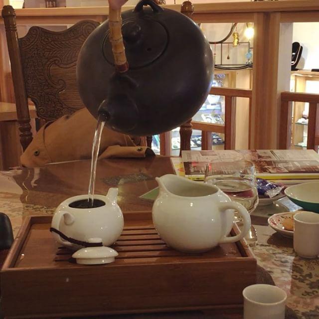 台湾茶の冬摘み!摘みたての旬なお茶でむくみなどに効果があるらしい(^^)とてもおいしくいただきました。#健康 #台湾茶 #むくみ解消