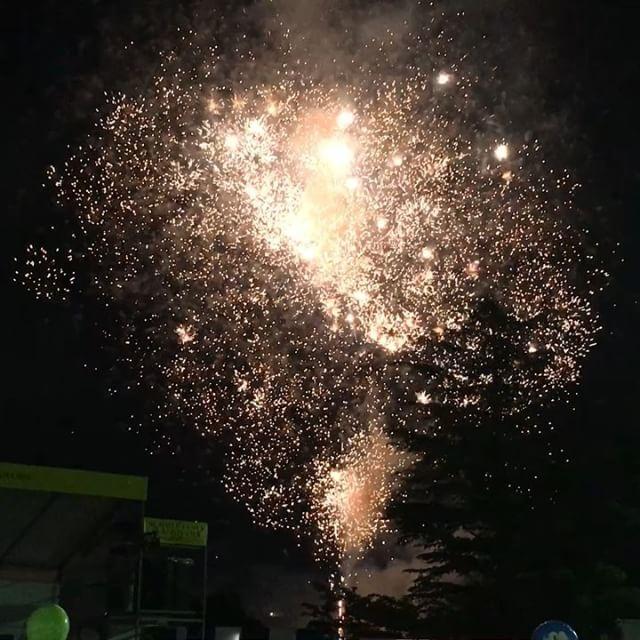 ビール祭りへ!年々ビールを受けつけないカラダになってきましたが、飲み比べしたり花火をみたり雰囲気を楽しみました♪